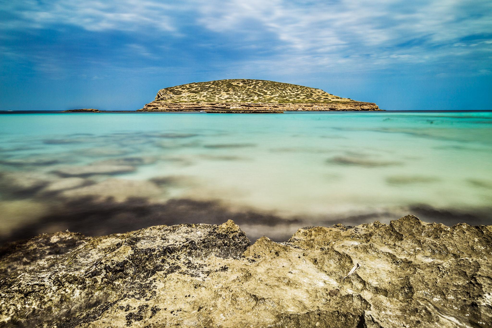 Ibiza, Fotografía de paisaje en Cala Comte, Ibiza. Fotografía de larga exposición.